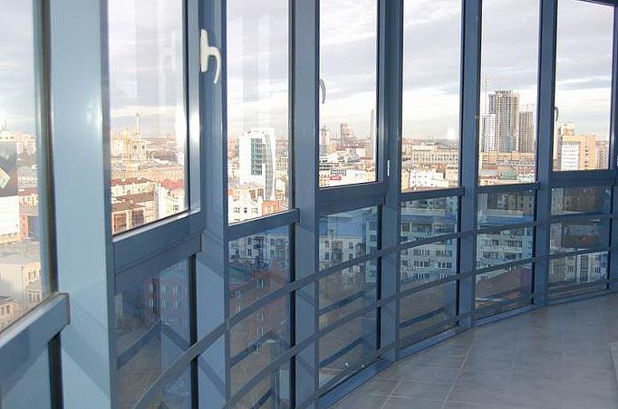 Теплый балкон с панорамным остеклением конструкция стеклопакета для балкона