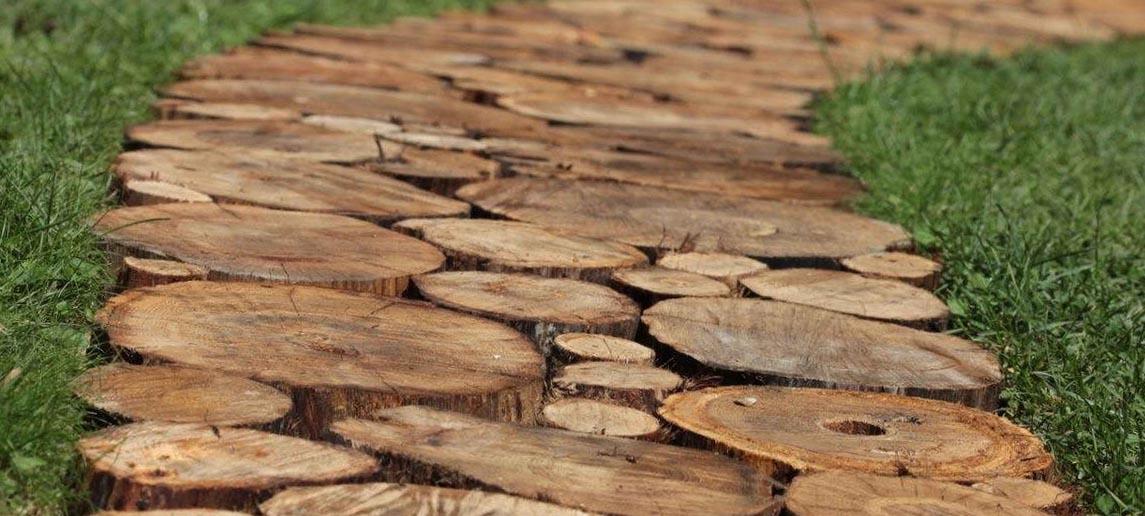 Как сделать дорожки из спилов дерева своими руками 41