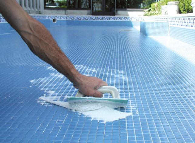 герметизация швов в бассейне