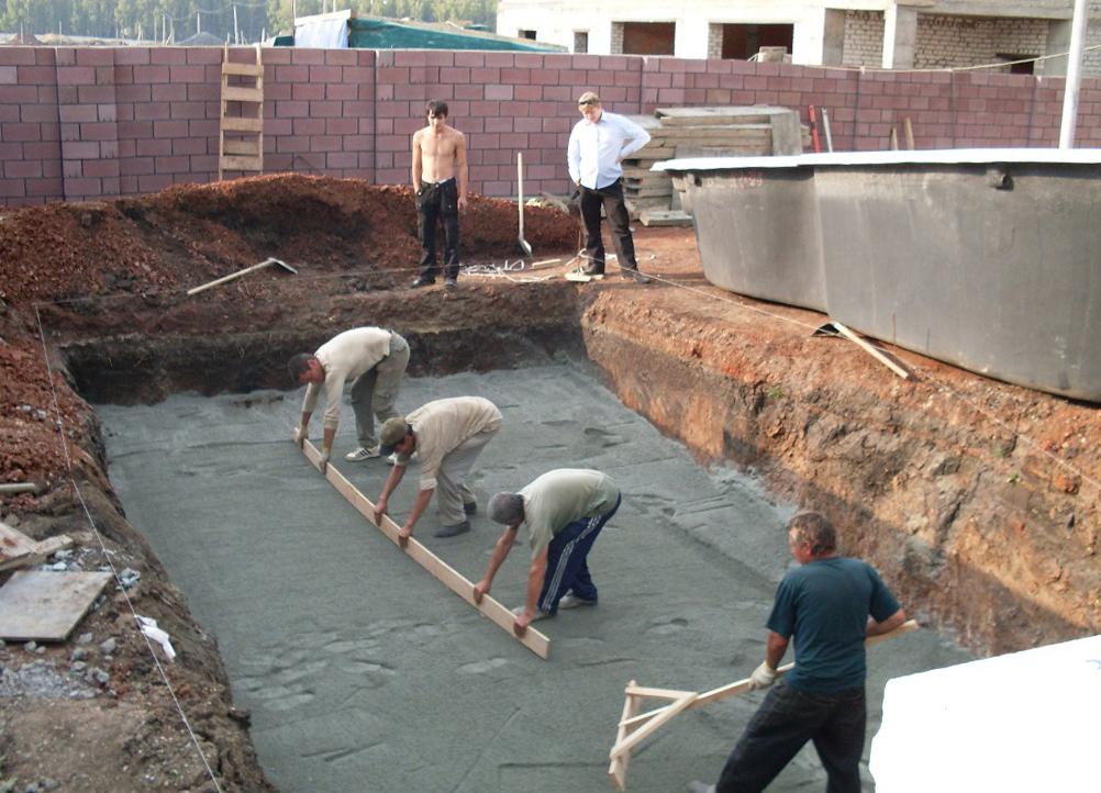 сооружение котлована для бассейна